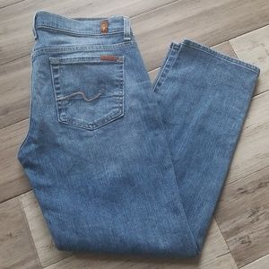Like New 7 for all Mankind Crop Straight Leg Jeans